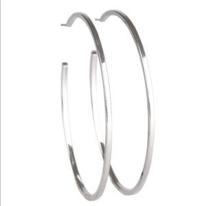 Nice sized silver tone hoops